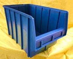 Большой синий пластиковый контейнер на 15 литров для хранения метизов и крепежа