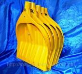 Жёлтые снегоуборочные лопаты 440х460 по 5 шт в сборе